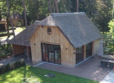 Rieten daken raggers rietdekker met pure ambacht