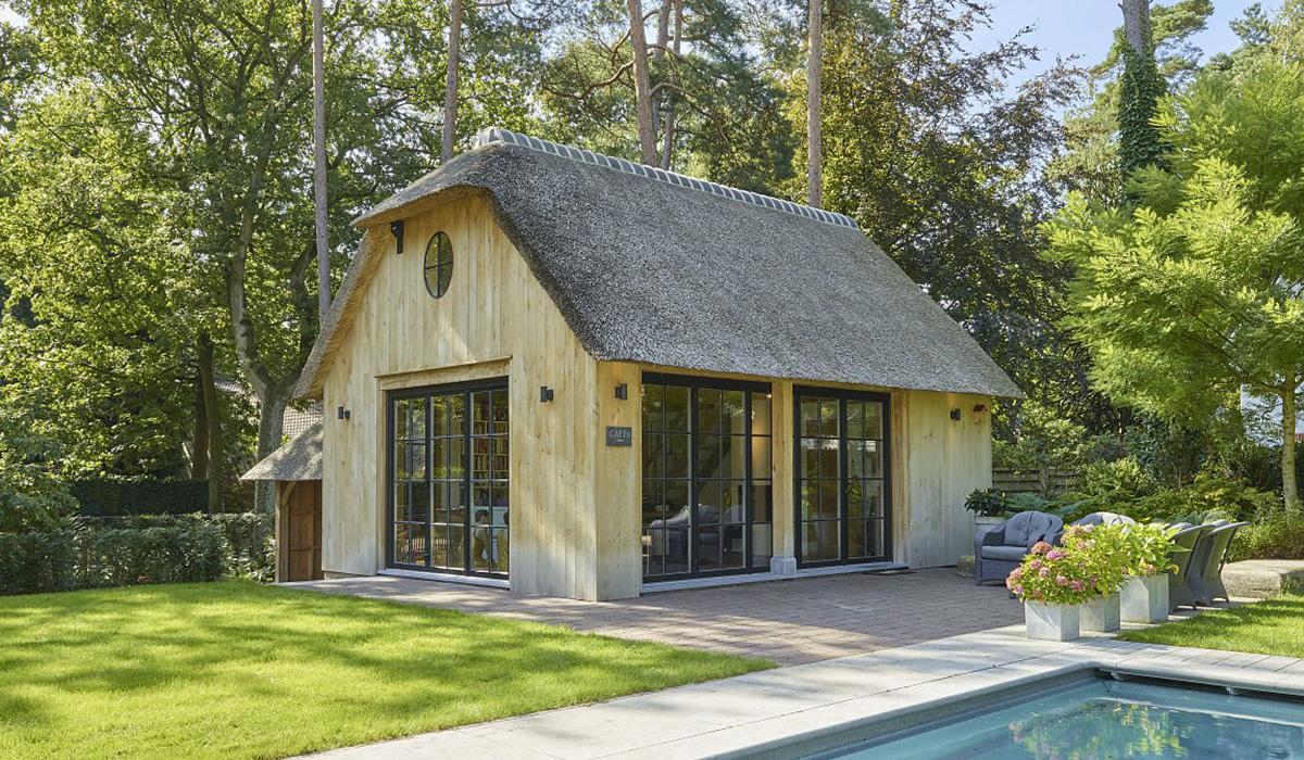 duree de vie toit de chaume plus ou une offre gratuite with duree de vie toit de chaume. Black Bedroom Furniture Sets. Home Design Ideas
